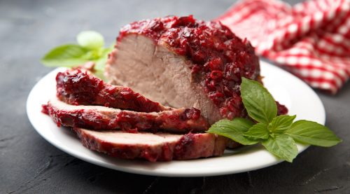 Lomo de cerdo con salsa de arándanos