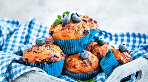 Muffins de fresas y arándanos